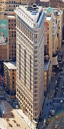 245px-Edificio_Fuller_(Flatiron)_en_2010_desde_el_Empire_State_crop_boxin