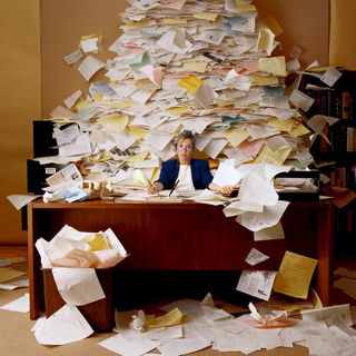 a heap/pile of papers