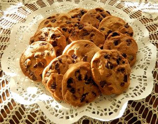 Chocolate-chip-cookies-940429_640